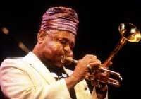 Dizzy Gillespie mit Trompete
