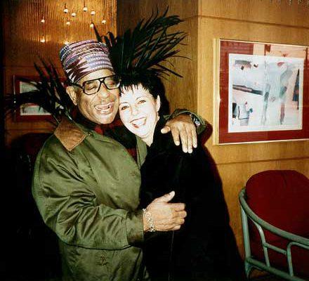 Judy Rafat mit Dizzy Gillespie